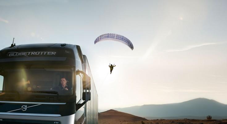 2_volvo_hero_paraglider_lowres