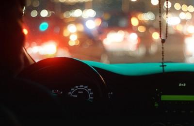 9-sfaturi-critice-pentru-a-conduce-în-siguranță-pe-timp-de-noapte